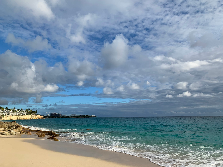 Saint-Martin-Cupecoy-Beach-Sapphire-Resort.jpg