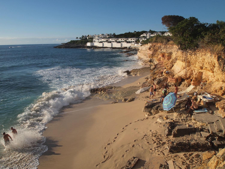 SXM-Cupecoy-beach.jpg