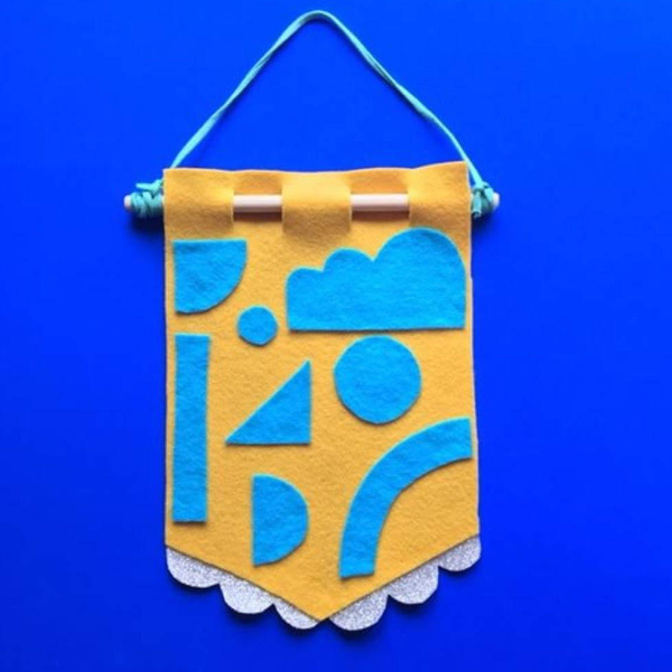 Twin Made DIY Pin Badge Banner