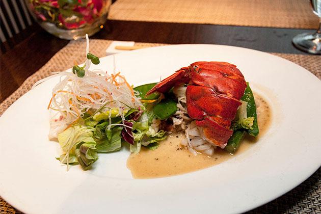lux-crystal-seafood.jpg