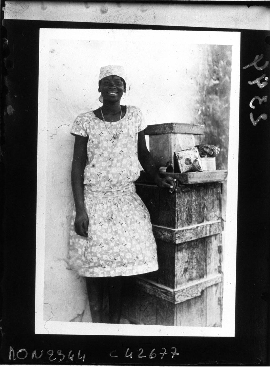 Haïti : petite marchande d'akassan (1932)