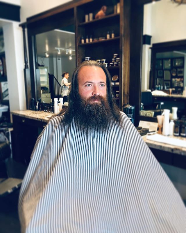Swipe left and see how this transformation was done. #bayareabarbers #gentleman #missiondistrictsf #beardfathers #bearddady #wow #wtf #crispandclean #sanfrancisco #swipeleft #missiondistrictbarber