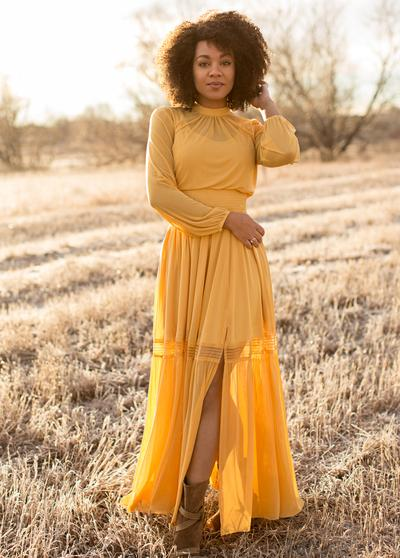 Joyfolie Celestine Dress in Mustard - Price: $124.00Size: MEDIUM OR LARGEYou Get: One style consultation, One Mini Session (20 minutes) for up to 4 people and 10 digital images.$250.00 value