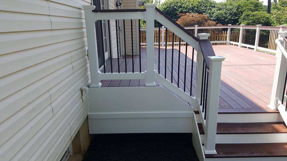 Cinnabar Fiberon Symmetry Decking with walk out platform and stairs.