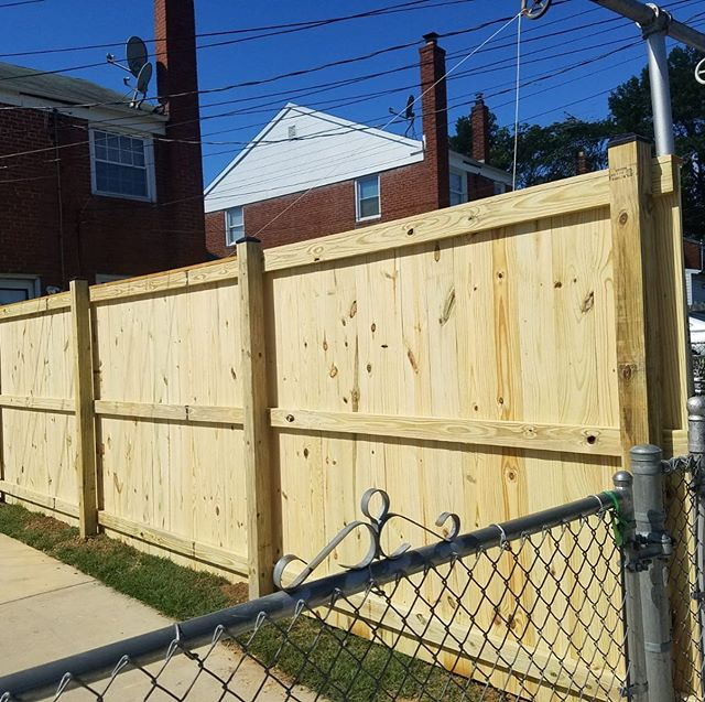 We can customize how you want your wood fence to look! 👀