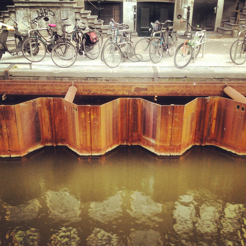 Temporary water walls of Amsterdam: photo taken by Arlen Stawasz