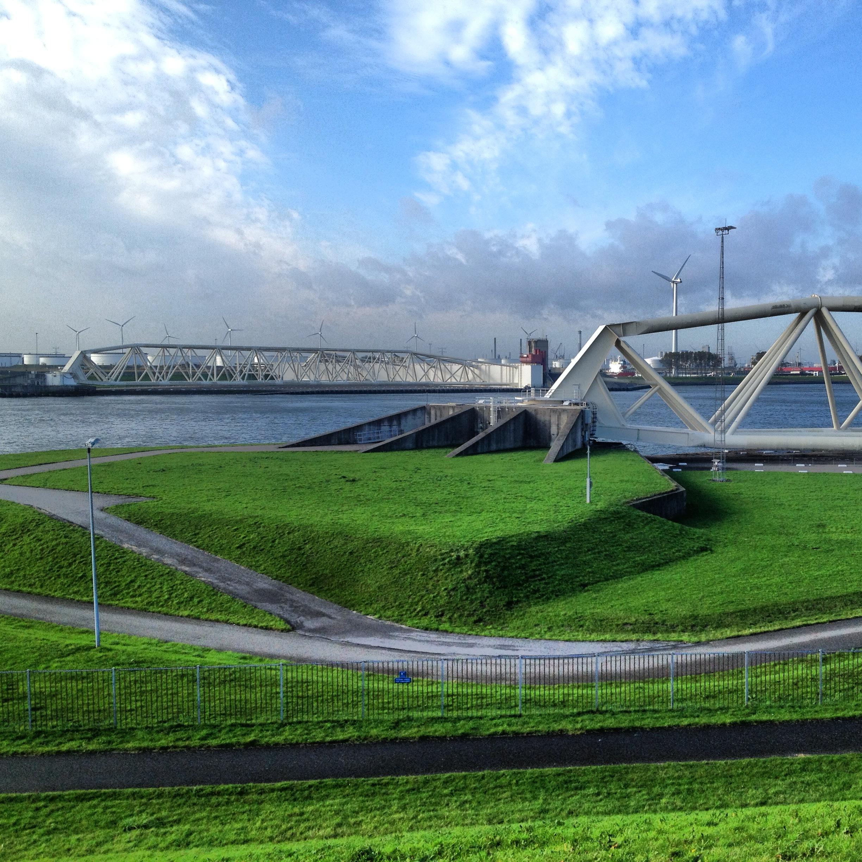 Maeslantkering, Nieuwe Waterweg Waterway: photo by Arlen Stawasz