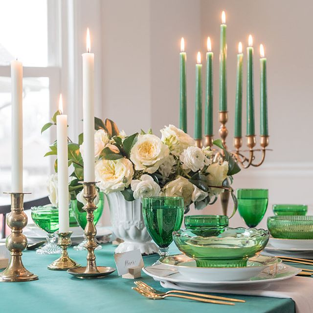 From our table to yours, Happy St. Patrick's Day! 🍀🌈 Planning: @clovereventschicago  Photography: @belenaquinophoto @gerberscarpelliweddings  China & Glassware: @gathervintagetables  Calligraphy: @simplyscriptedink  Florals: @mayfloral  Linens: @bbjlinen