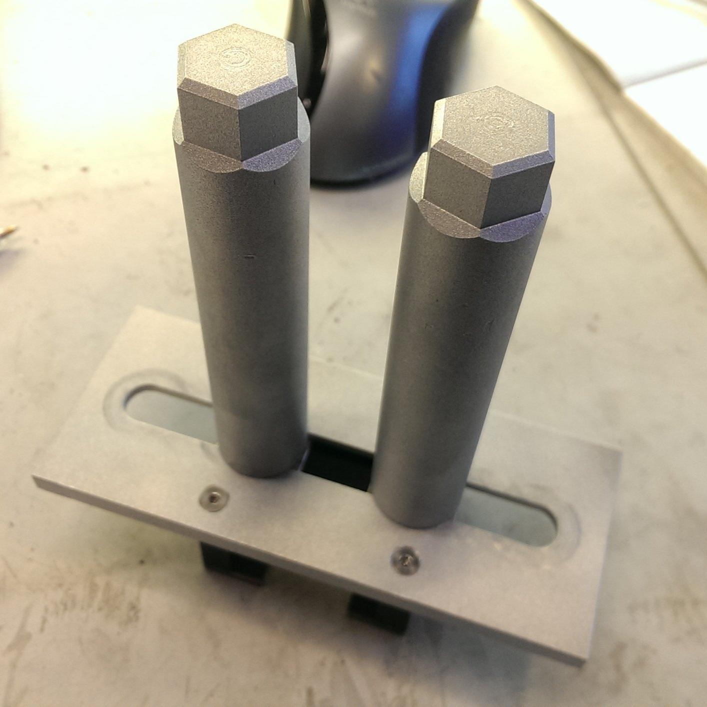 Wrist positioner for strain test