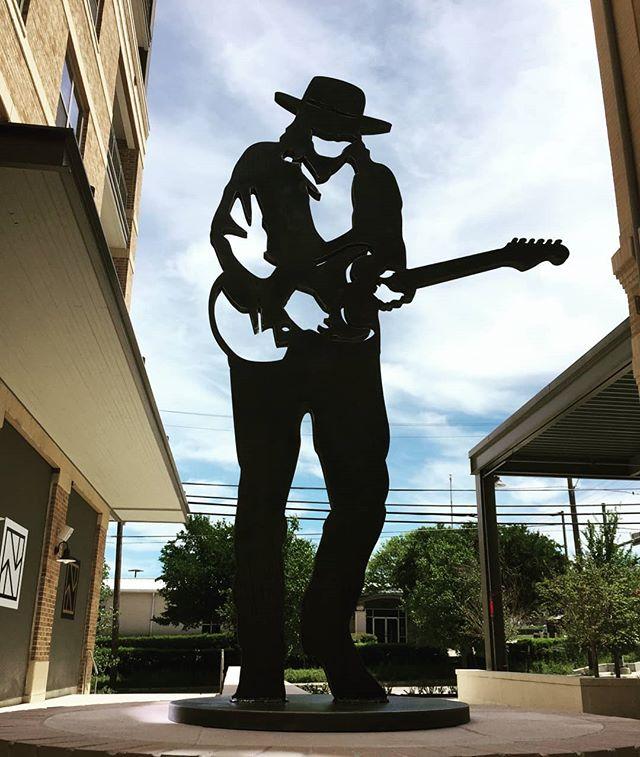 "Stevie Ray in 1.5"" plate steel. 2,083 lbs #stevieray #oakcliff #blueslegend #playguitar #lineartmeetslaser #customfabricaion"