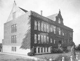 Emerson Elementary School in Seattle, circa 1920