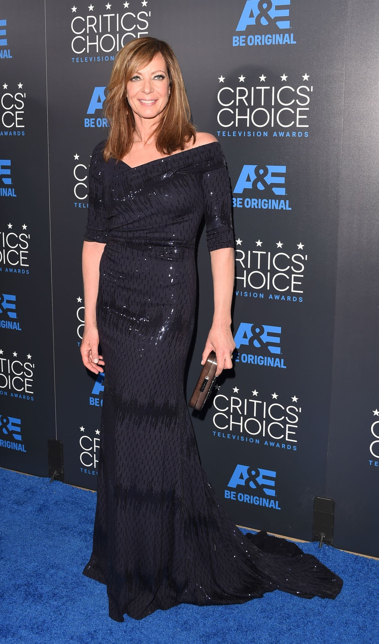 allison-janney-2015-critics-choice-television-awards-in-beverly-hills_1.jpg