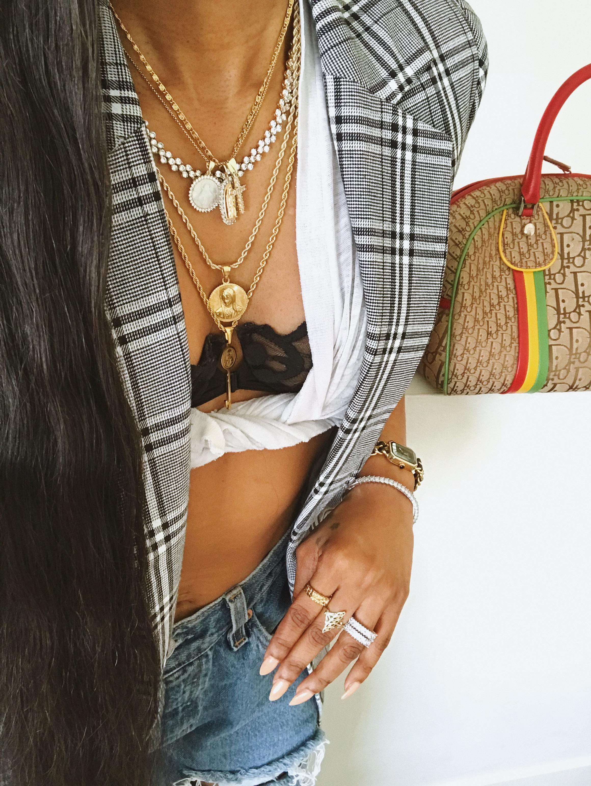 Dennaya-Famous-Gold-Necklaces-1.jpeg