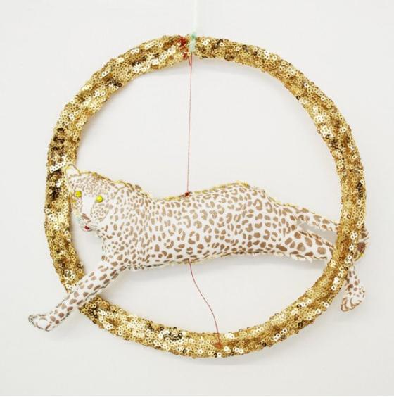 https://www.atelieratsuyoetakiko.com/products/tamar-mogendorff-jumping-leopard-gold