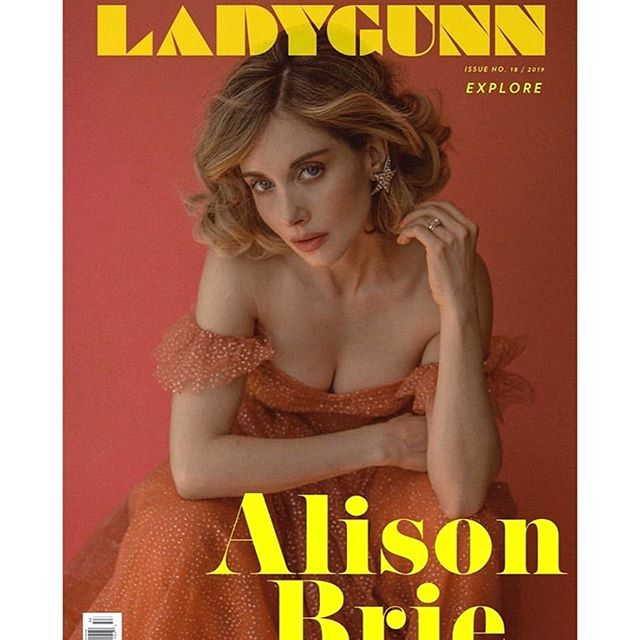 The wonderful, beautiful and talented @alisonbrie Shot by @janellshirtcliff Styled by me Makeup @jennaantonmakeup  Hair @clarissanya @thewallgroup @netflix ✨✨#alisonbrie #glownetflix #glow #madmen #ladygunn