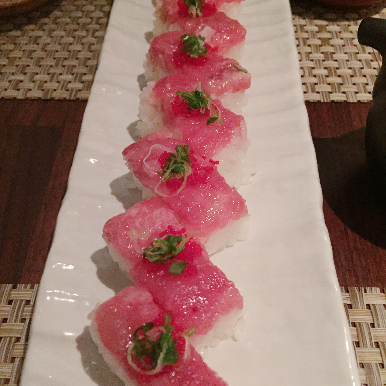 Toro box sushi