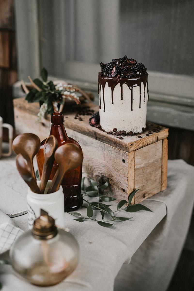 New Hampshire_Weekend Away Wedding Cake