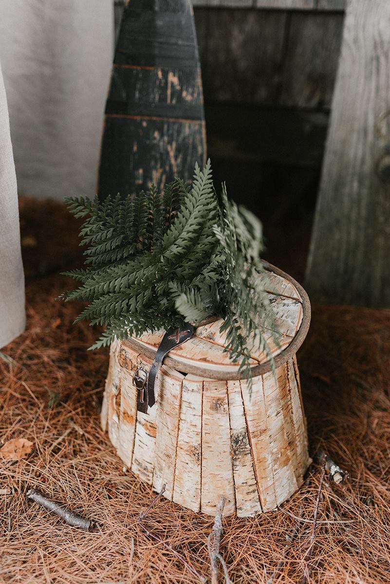 New Hampshire_Weekend Away Wedding Tree Stump