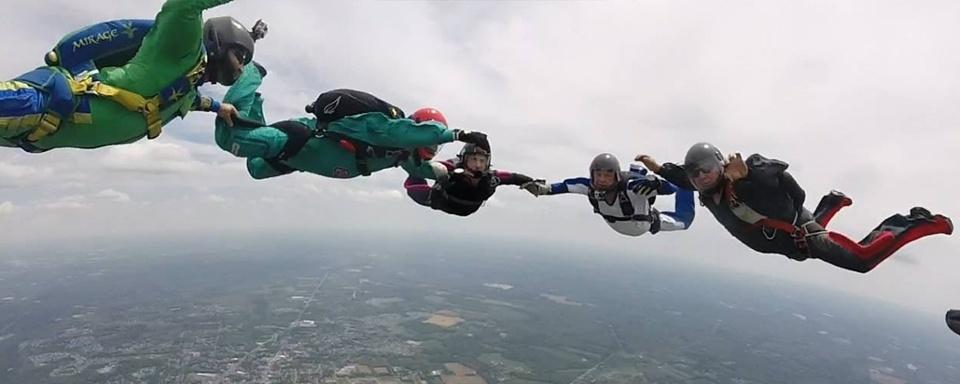 formation-skydiving-cross-keys.jpg