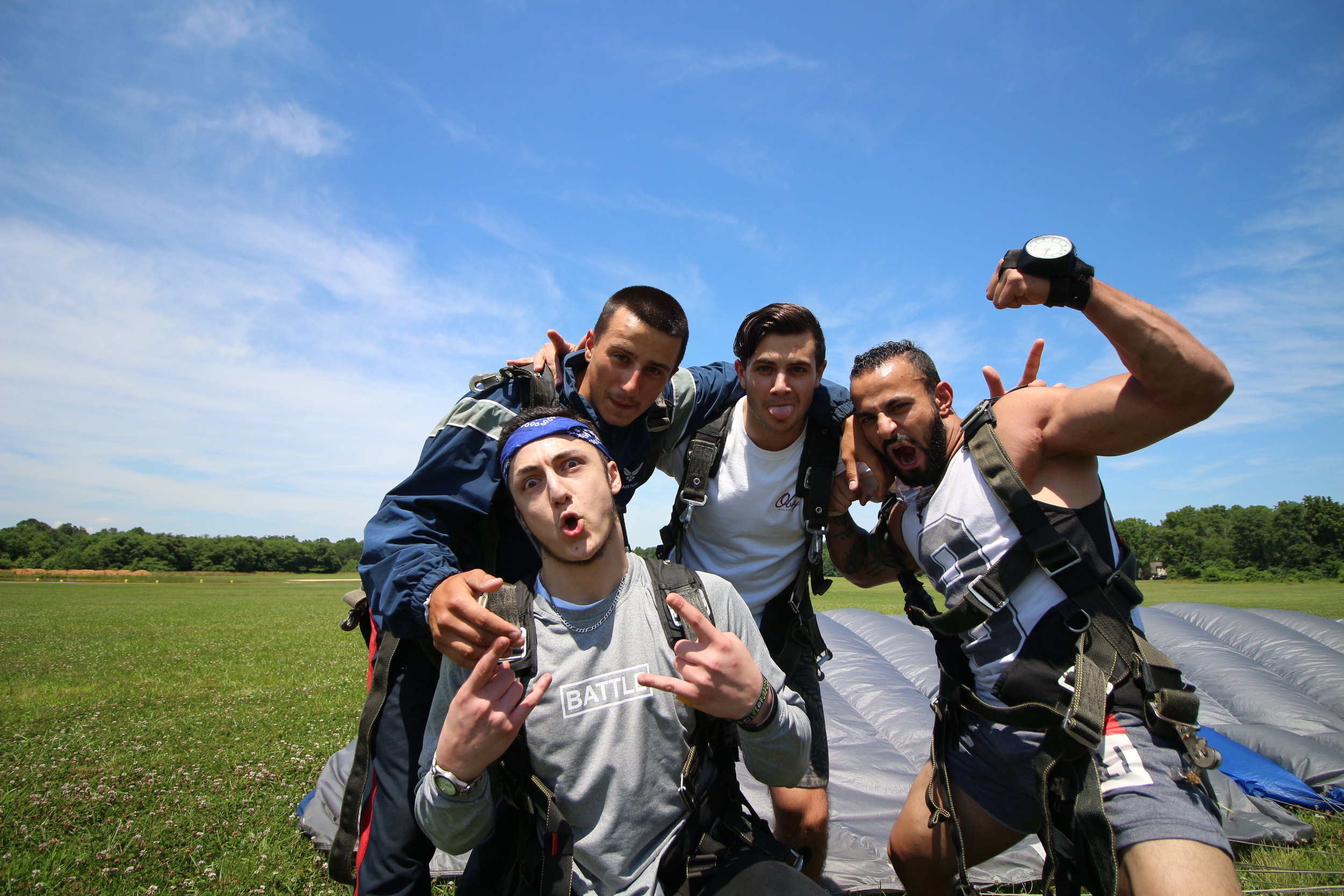 group-tandem-skydive-philadelphia