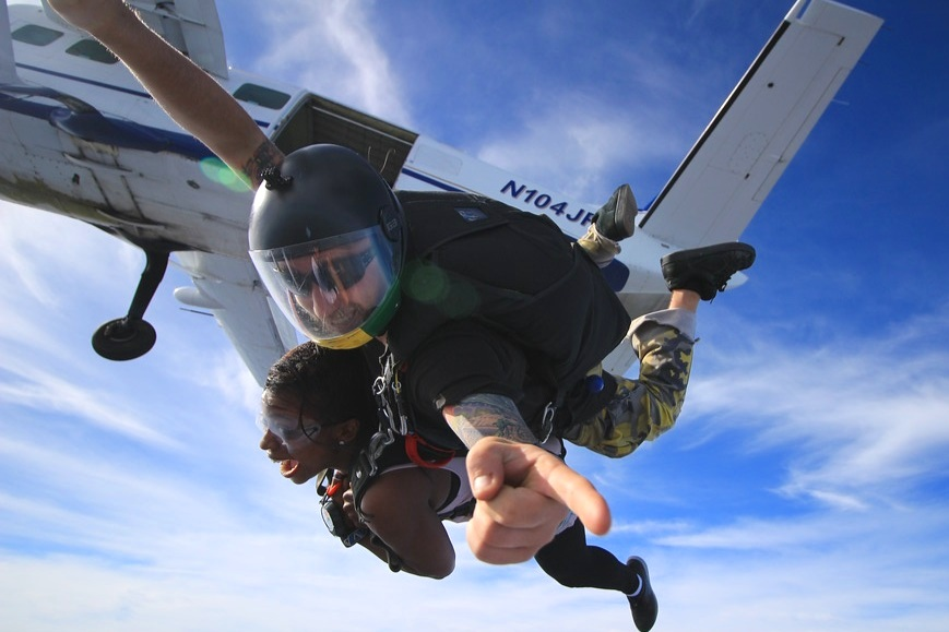 tandem-skydiving-freefall-new-jersey