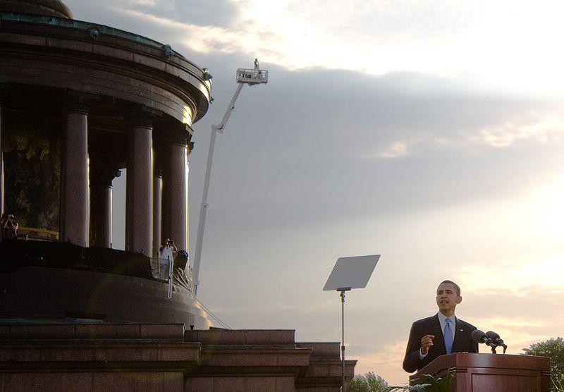 800px-Barack_Obama_in_Berlin.jpg