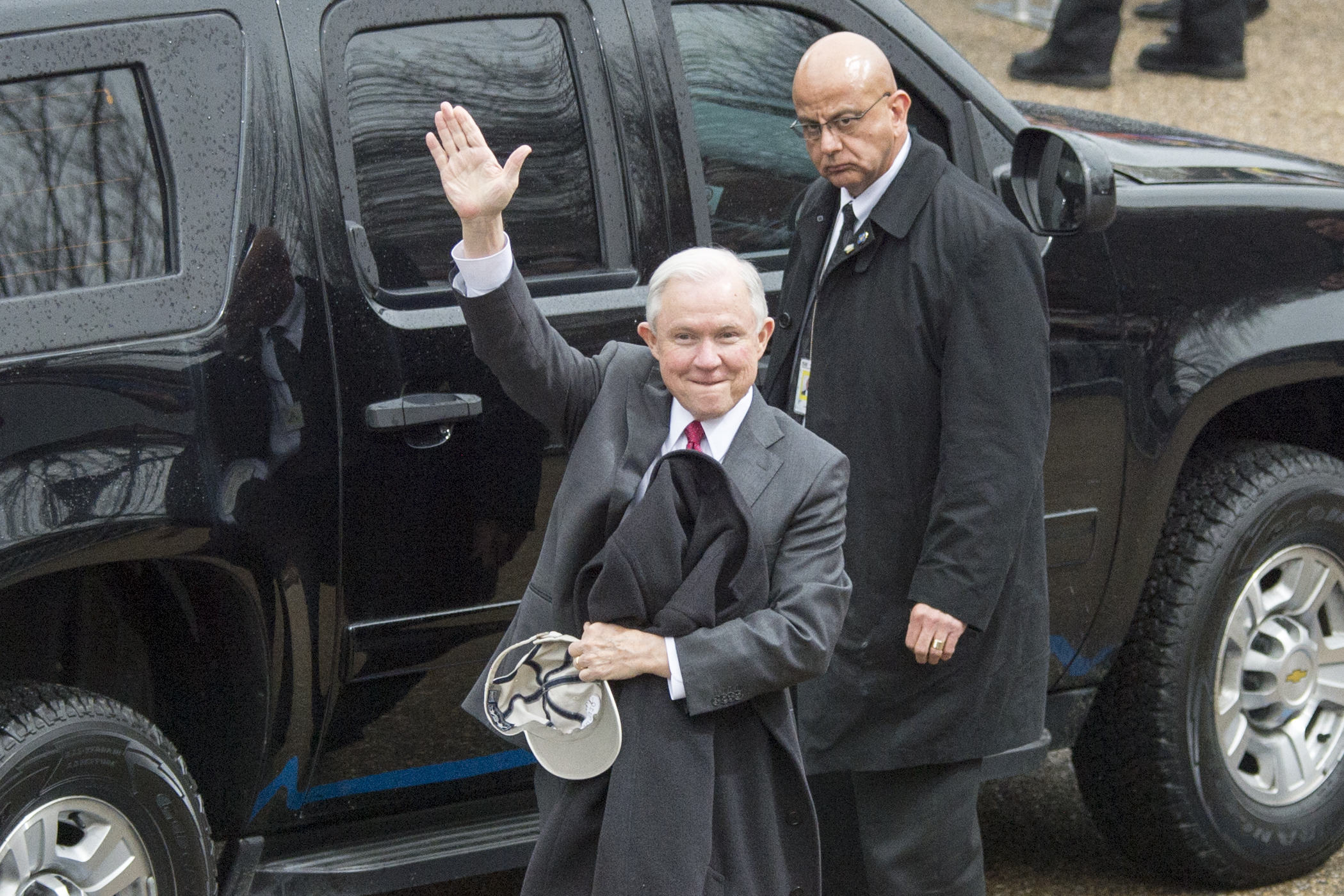 Senator_Jeff_Sessions_arrives_before_the_58th_Presidential_Inauguration_Parade,_Jan._20,_2017.jpg