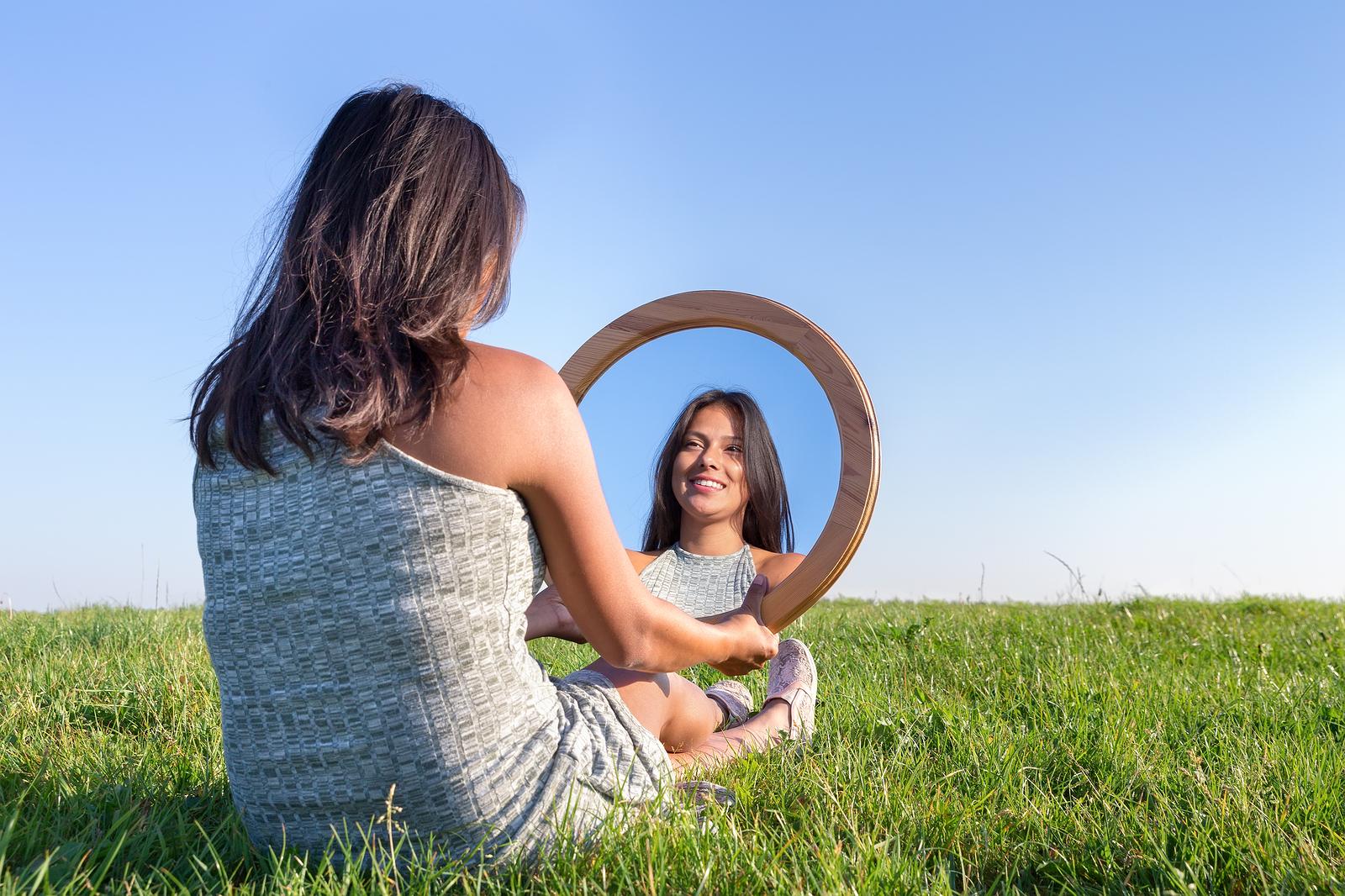 bakjac mirror.jpg