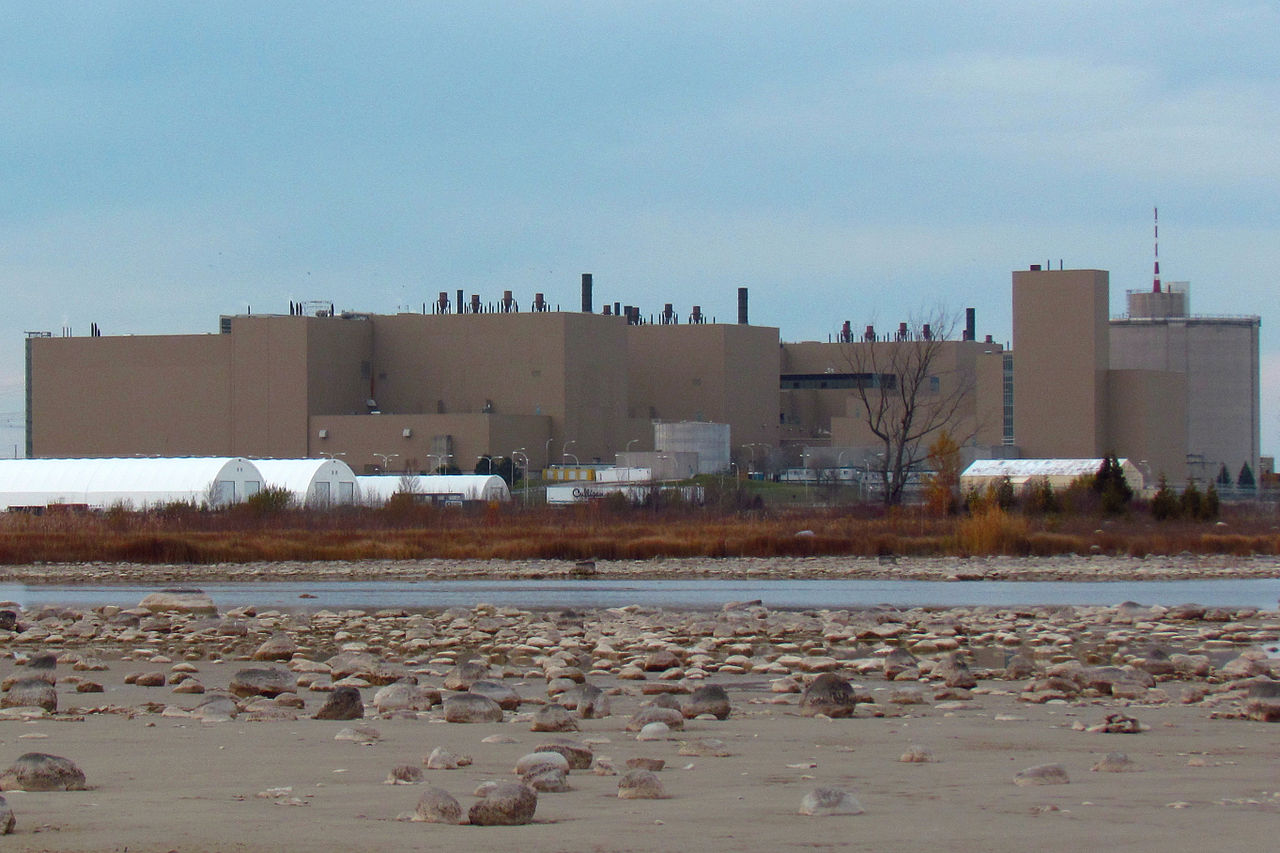 Bruce_Nuclear_Generating_Station.jpg