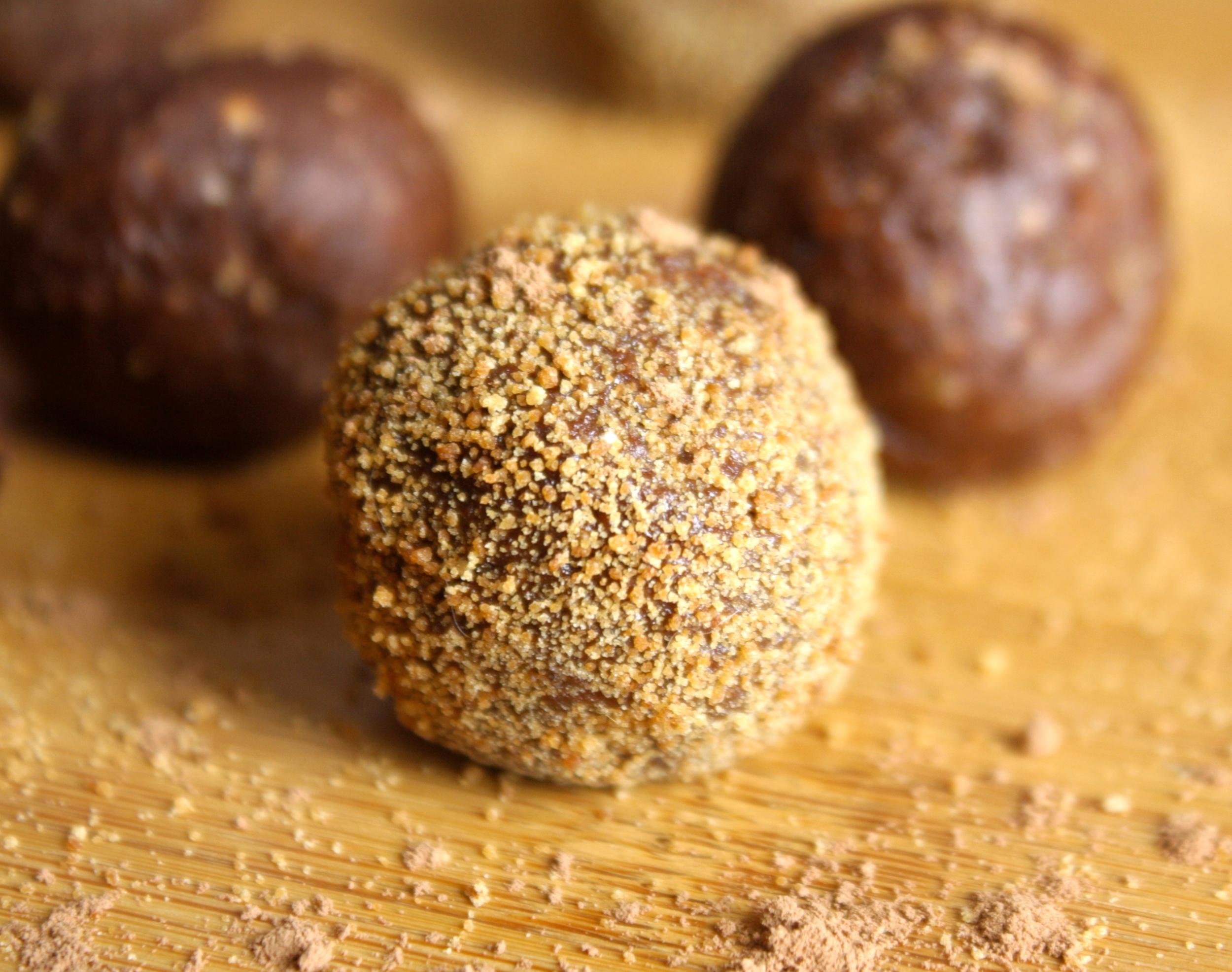 Raw Vegan Brownie Bites