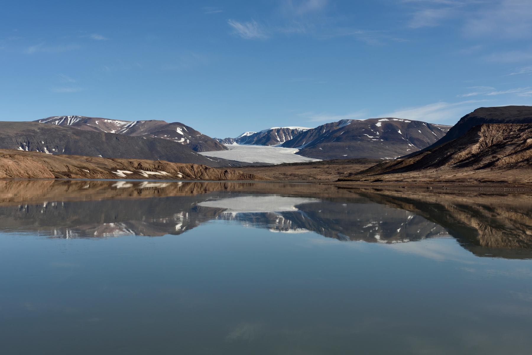 GreenlandCaves_2015_RM_RobbieShone0636.JPG