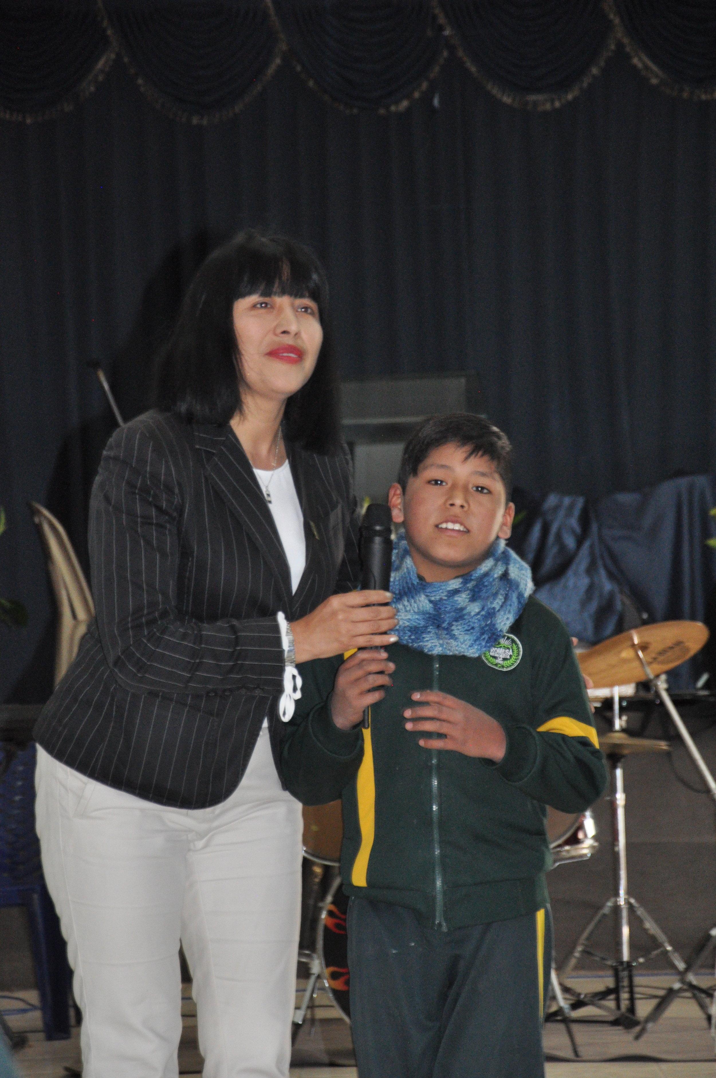 Promesa principal recognizing a student's birthday