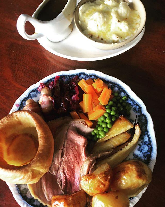 Sunday roasts at the Voli - 12-2:30