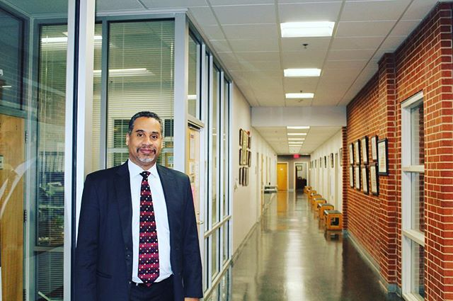 Photo of the Week Prof. Malik Edwards #PropertyLaw . Caught up with Prof last Friday . #PhotooftheWeek #durhammaroons #legaleagles #ncculaw #classof2017 #ncculaw2017 #ncculaw17