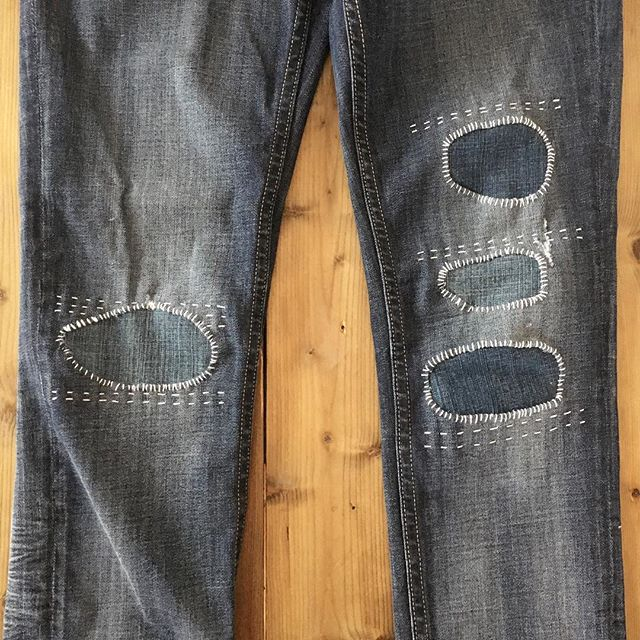 Some visible mending on my mama's jeans. ➿ These jeans were bought with tears in them that kept getting bigger as she wore them. I told her she's more on trend now than the original pair. 😉 . . . . . #visiblemending #mendingmatters #mending #handstitching #slowfashion #denim #sustainablefashion #ooak