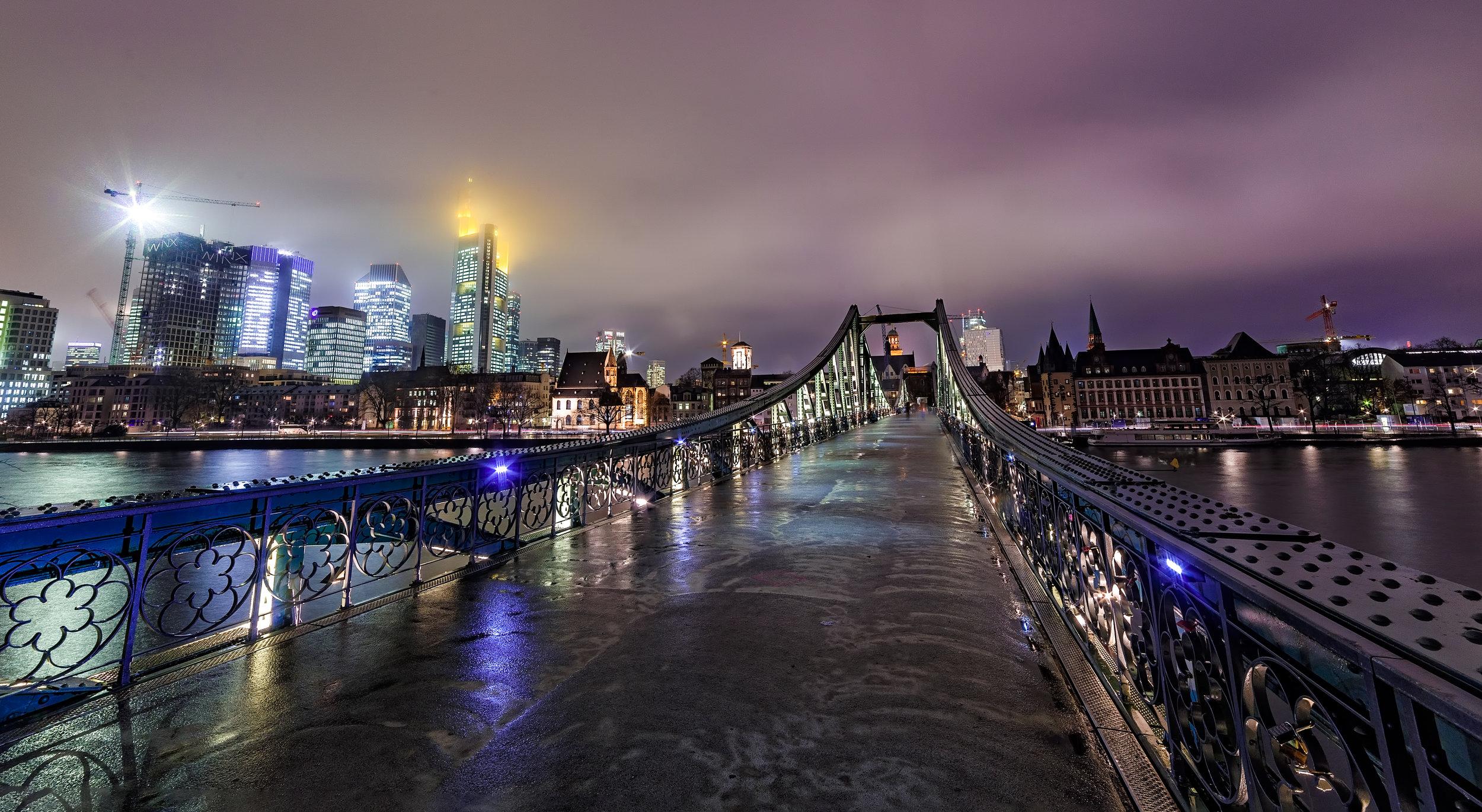 Frankfurt bridge.jpg