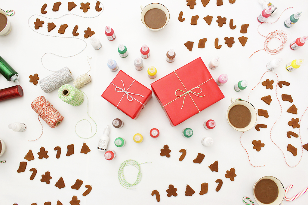 Mini Gingerbread Cookie Garlands before decorating with puffy paint