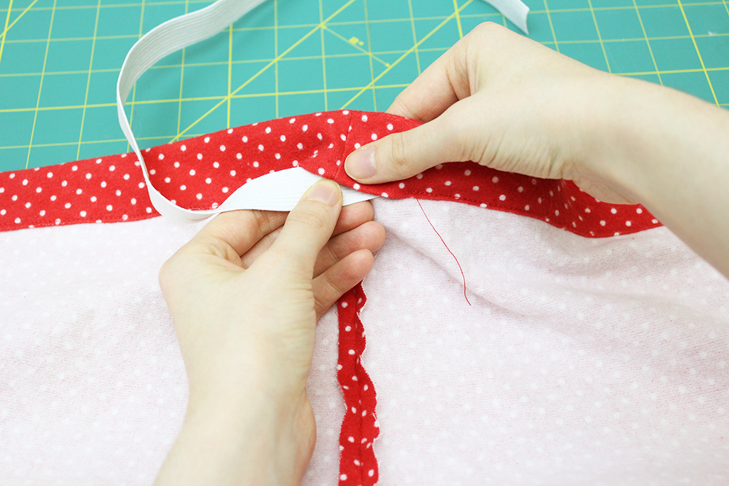 Inserting elastic into your elastic casing for DIY Pajama Bottoms