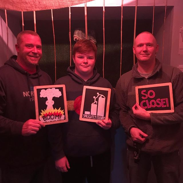 This trio came really close to thwarting the evil time traveler's plan but were unable to complete the mission. Even though they were a few minutes away, we're glad they gave it their all. Thank you, team! #sprightlyescapes #denver #escaperoom