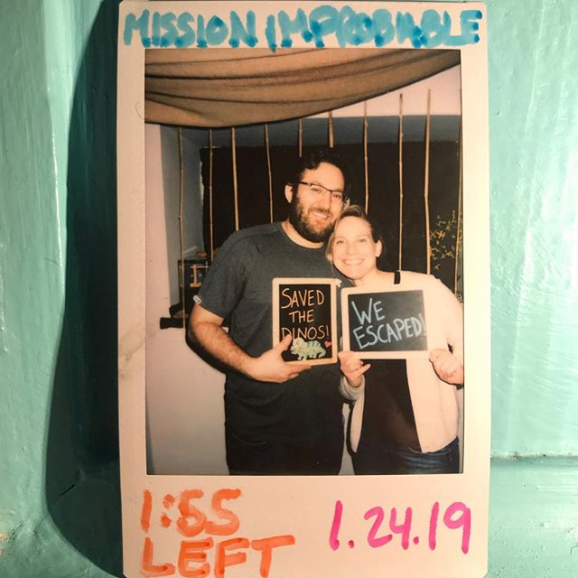 Blow out the candles and make a wish. 🎂This team, who was celebrating a birthday, made a thrilling escape with less than two minutes left! With securing a spot on our Winner Wall, this team proved that you can have your cake and eat it too.🍰 Happy Birthday!🎈🎊🎁