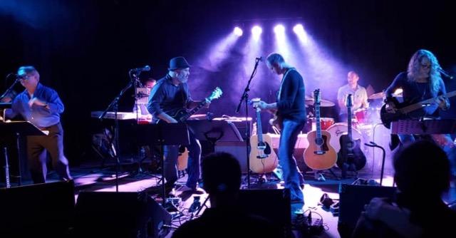 GMiV-Moody Blues-Barry-03.jpg