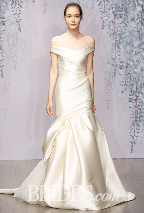 monique-lhuillier-wedding-dresses-fall-2016-006.jpg