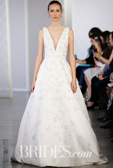 oscar-de-la-renta-wedding-dresses-spring-2017-001.jpg