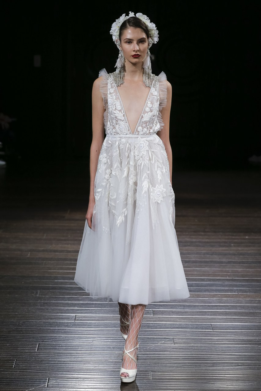 naeem-khan-wedding-dresses-fall-2018-05.jpg