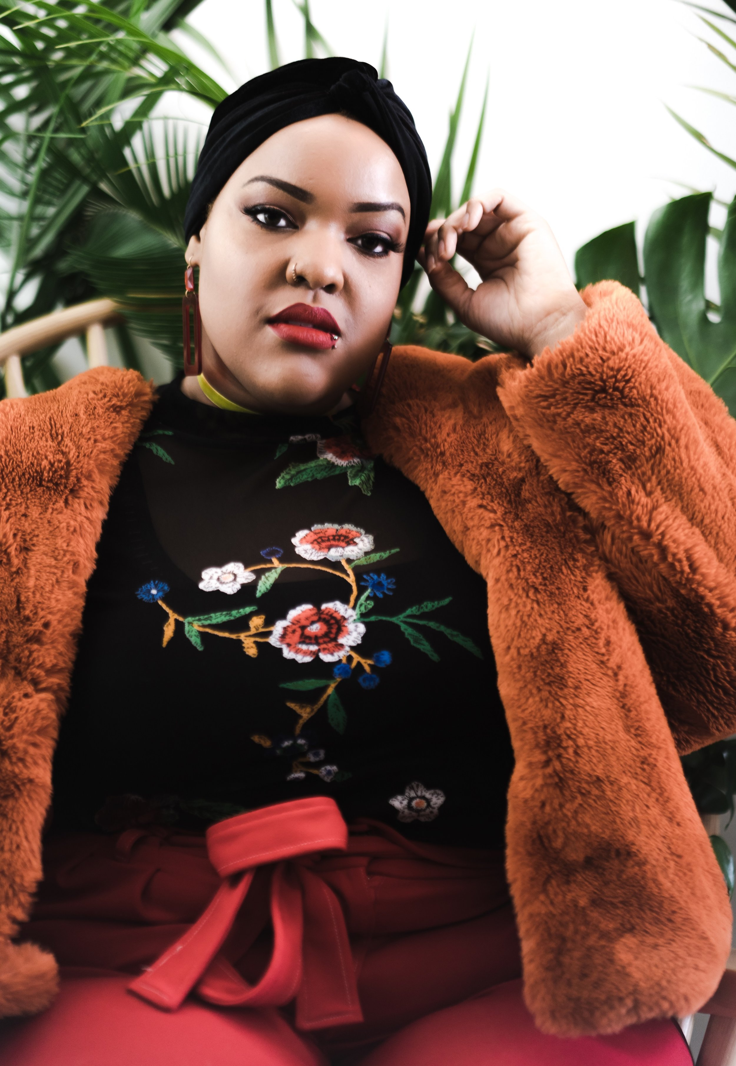 Leah-Vernon-New-York-Blogger-Plus-Size-Model-Body-Positive-Muslim-Girl-Hijabi-Style-Instagram-Influencer-1.jpg