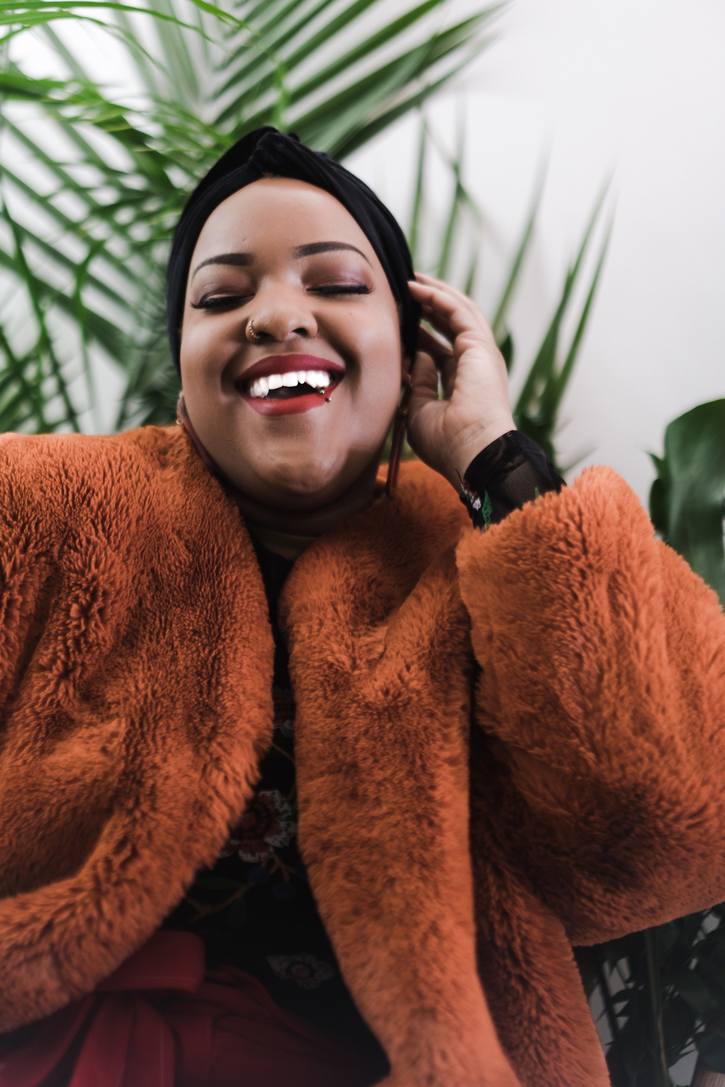 Leah-Vernon-New-York-Blogger-Plus-Size-Model-Body-Positive-Muslim-Girl-Hijabi-Style-Instagram-Influencer-2.jpg