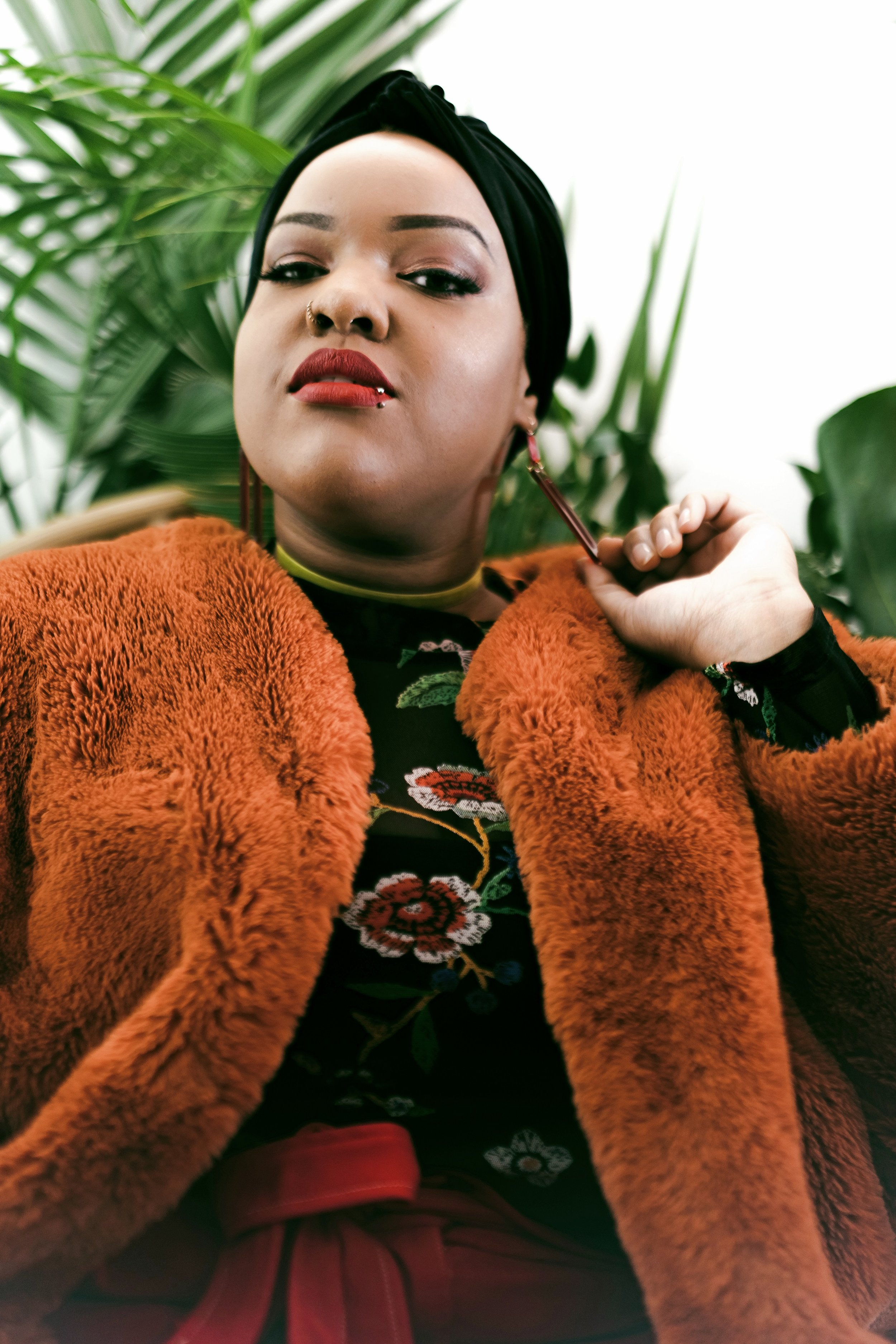 Leah-Vernon-New-York-Blogger-Plus-Size-Model-Body-Positive-Muslim-Girl-Hijabi-Style-Instagram-Influencer-3.jpg