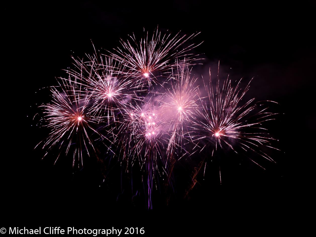 Fireworks Cronkey Shaw Common Rochdale 2016 - RochdaleOnline-35.jpg
