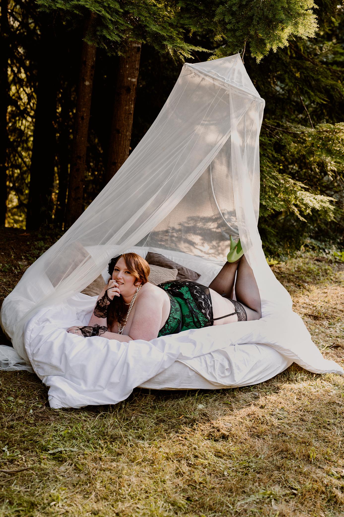 Victoria-BC-Outdoor-Boudoir-Photography-34.jpg
