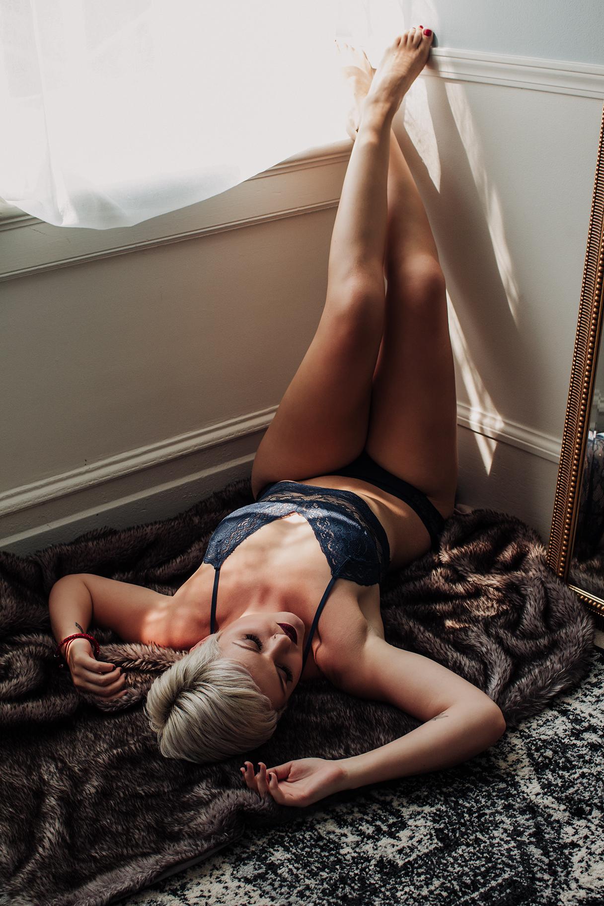 Victoria-BC-Boudoir-Moss-Photography-9.jpg
